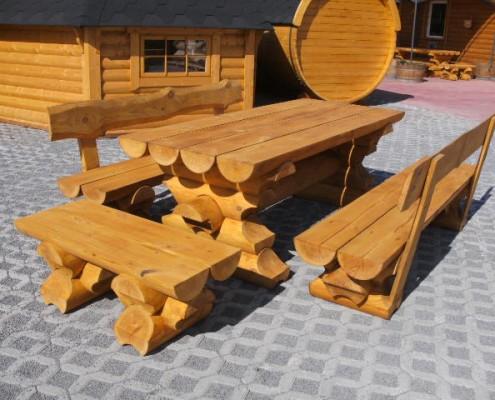 Lauko soulai ir stalas